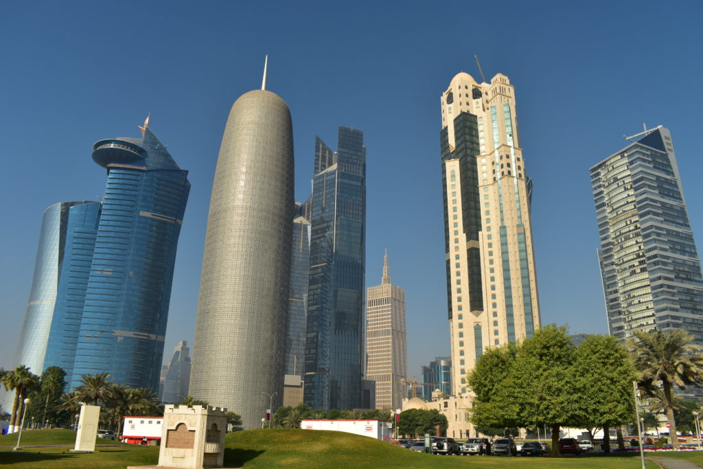 【画像】カタール航空 ドーハ市内観光ツアー 新市街のビル群