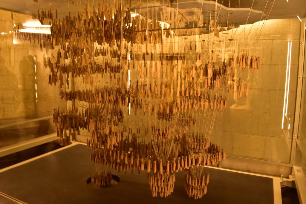 【画像】地下博物館(サグラダ・ファミリアの逆さ吊り模型)