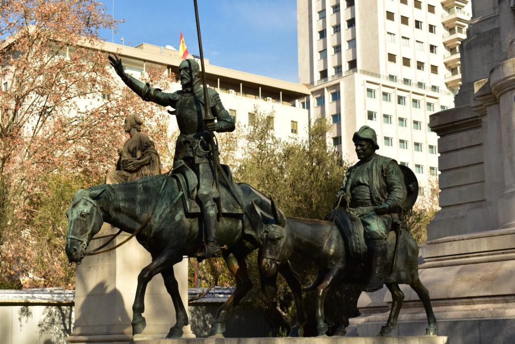 【画像】マドリード スペイン広場 「ドン・キホーテとサンチョ・パンサの像」