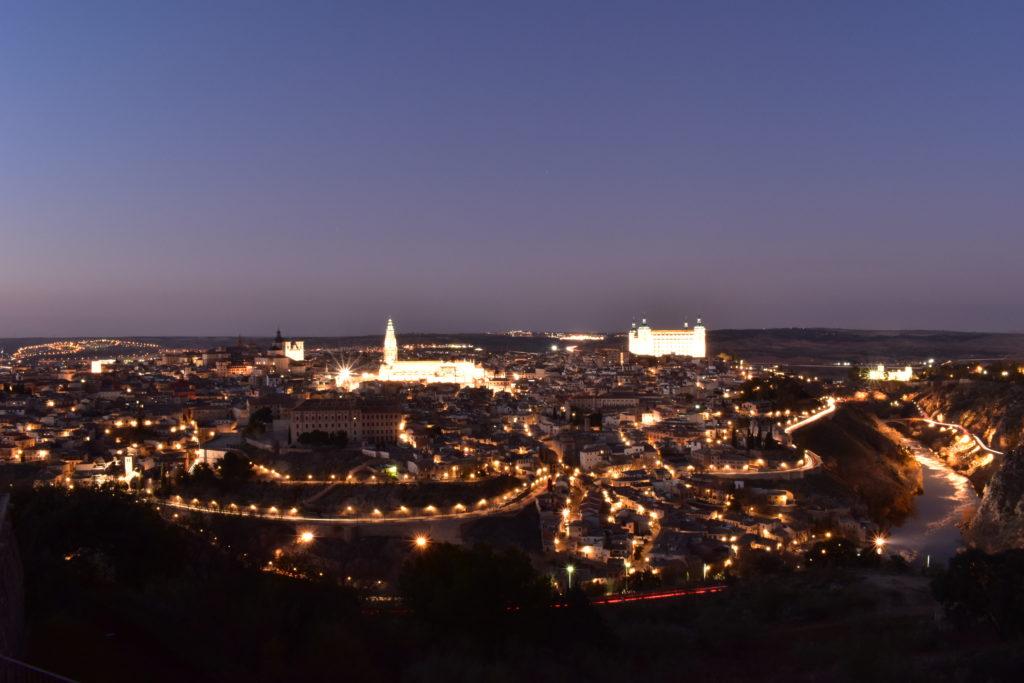 【画像】パラドール・デ・トレド 部屋からの眺望(夕方から夜へ)