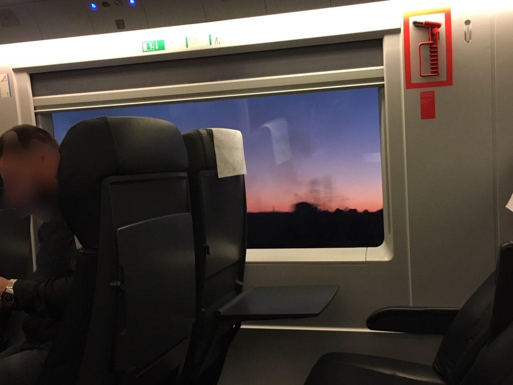 【画像】マドリードからバルセロナへのRenfe(車内)②
