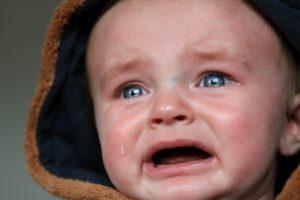 【イメージ画像】泣いている赤ちゃん