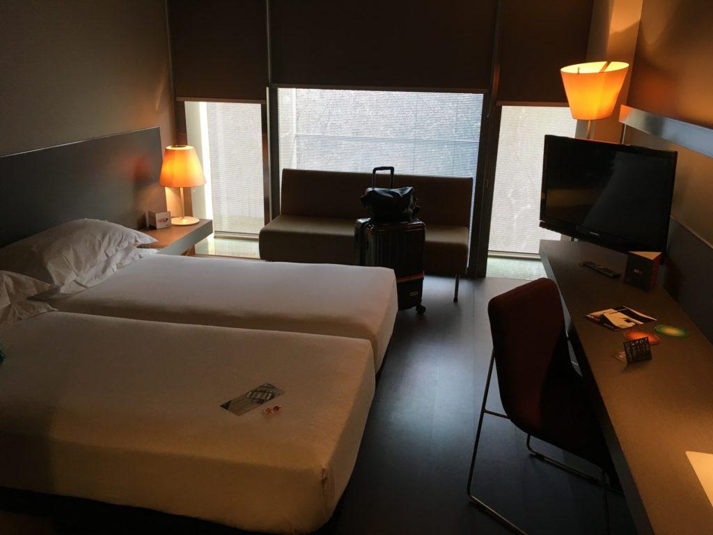 【画像】SOHO HOTEL 客室内①