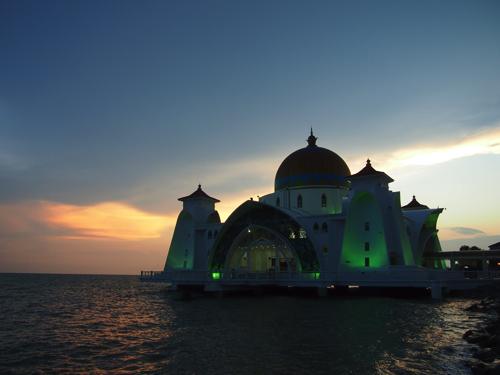【画像】ライトアップされたモスク