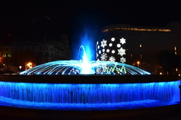【画像】カタルーニャ広場の噴水①