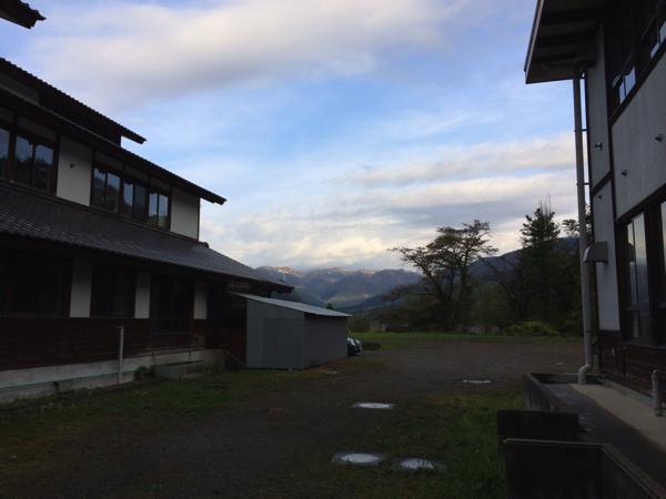 【画像】さる小 早朝の屋外